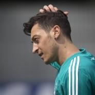 Harsche Kritik an DFB-Präsident Grindel zum Abschied: Mesut Özil