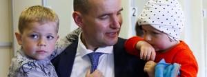 Gudni Johannesson gewinnt die Präsidentschaftswahlen in Island.