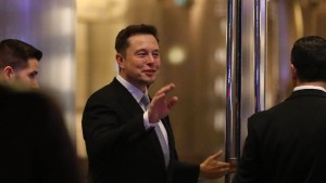 Tesla-Chef Musk zahlt den Schaden nach Rettungsaktion