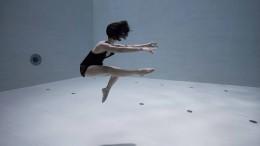 Atemberaubendes Unterwasser-Ballett