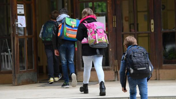 Uni Oxford testet Corona-Impfstoff an Kindern und Jugendlichen