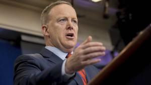Empörung über Hitler-Vergleich von Spicer