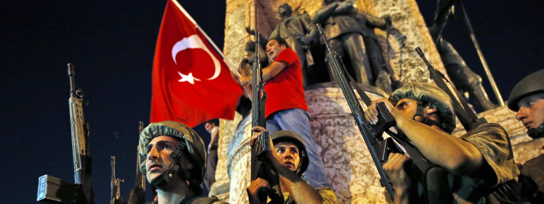 """""""Die leben hier in Freiheit und unterstützen einen Diktator"""""""