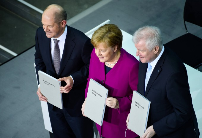 """Der Koalitionsvertrag sei ein Vertrag für """"die kleinen Leute"""", sagte Horst Seehofer (CSU) im März 2018 – aber was soll das bedeuten?"""