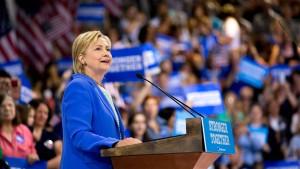 Clinton baut Vorsprung auf Trump aus