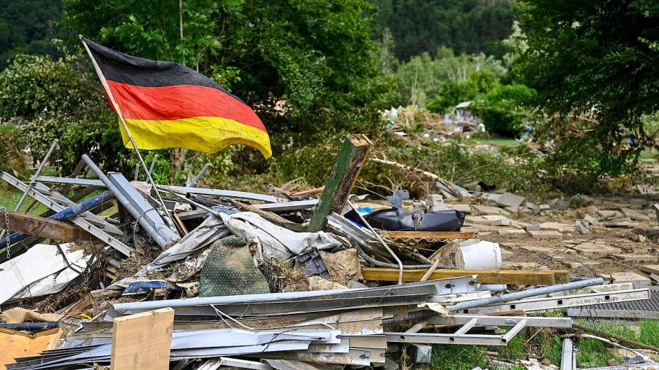 Verantwortung vor Ort zeigen: Verwüstungen in Ahrbrück