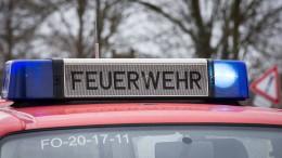 A 45 gesperrt nach Lastwagenunfall –  Razzia gegen Schleuserbande