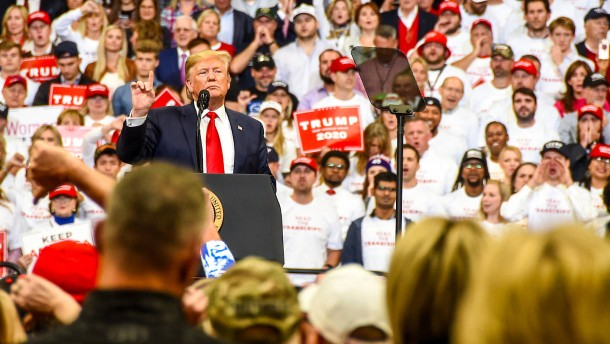 """Trump nennt Amtsenthebungsverfahren """"Angriff auf die Nation"""""""