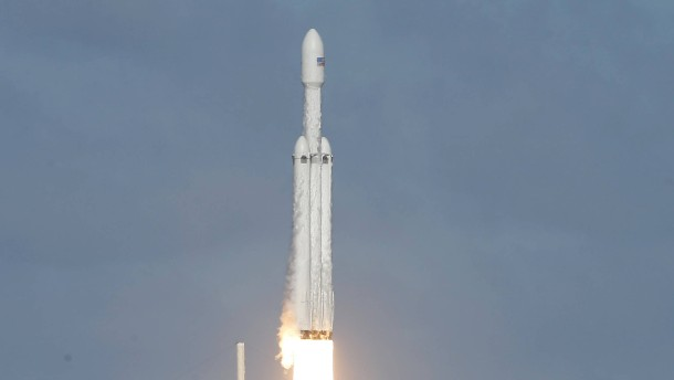 Elon Musks Rakete glückt der Jungfernflug