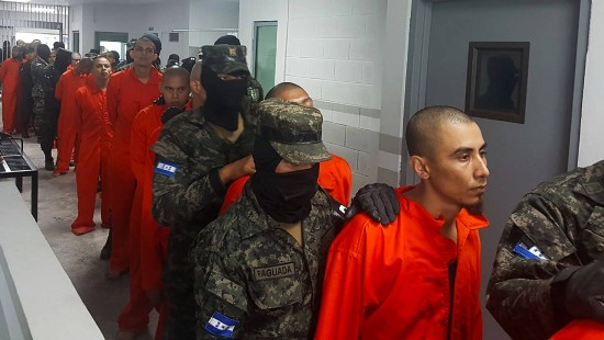 Honduras verlegt Banden-Mitglieder in Hochsicherheitsgefängnisse