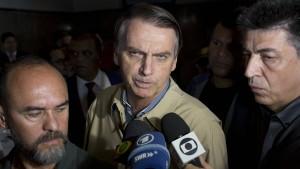 Rechtspopulist Bolsonaro soll Wähler manipuliert haben