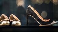 Ernst-Wilhelm Händler beschreibt sehr aufmerksam die Modewelt.