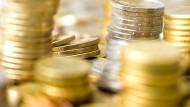 Mit 2,1089 Billionen Euro standen Bund, Länder, Kommunen und Sozialversicherung zur Jahresmitte 2020 in der Kreide.