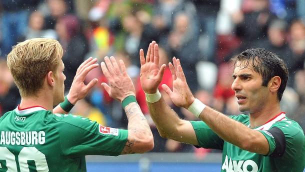 Augsburg rettet Werder, Frankfurt, Freiburg, Hannover