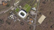 Begehrter Sportpark: Für die Tennisplätze am Stadion gibt es zwei Bewerber - die Tennis-University und die Eintracht Frankfurt AG.