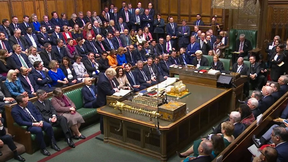 Boris Johnson spricht bei der konstituierenden Sitzung des britischen Unterhauses nach den vorgezogenen Wahlen im Dezember 2019.