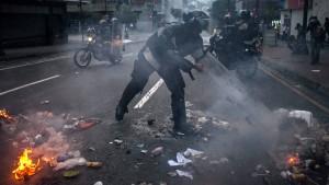 Neue Ausschreitungen in Venezuela