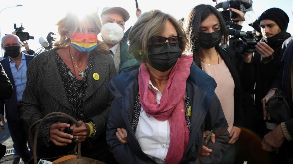 Paola und Claudio Regeni, die Eltern des getöteten Doktoranden vor dem Gericht in Rom.