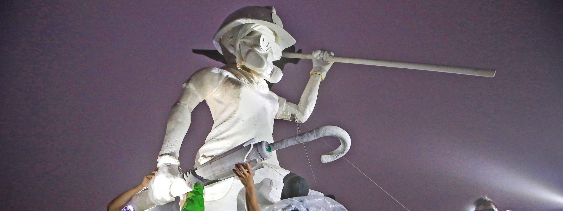 """Demokratie-Aktivisten errichten """"Lady-Liberty""""-Statue"""