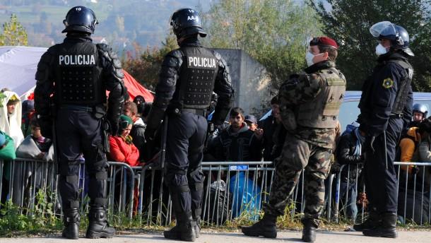 Slowenien setzt Armee zur Grenzsicherung ein
