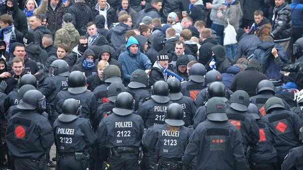 Bremen gewinnt Rechtsstreit um Kosten für Polizeieinsätze