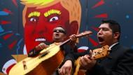 Ende September protestierten diese mexikanischen Musiker in Mexiko-Stadt gegen Donald Trump – wie man weiß, vergebens