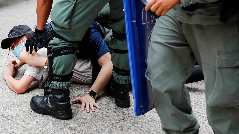 Westliche Staaten bieten Hongkongern Hilfe an