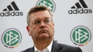 DFB-Chef Grindel zu Kandidatur für Uefa-Exekutive bereit