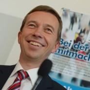 Ihm ist ein Licht aufgegangen: der Bundesvorsitzende der AfD, Bernd Lucke