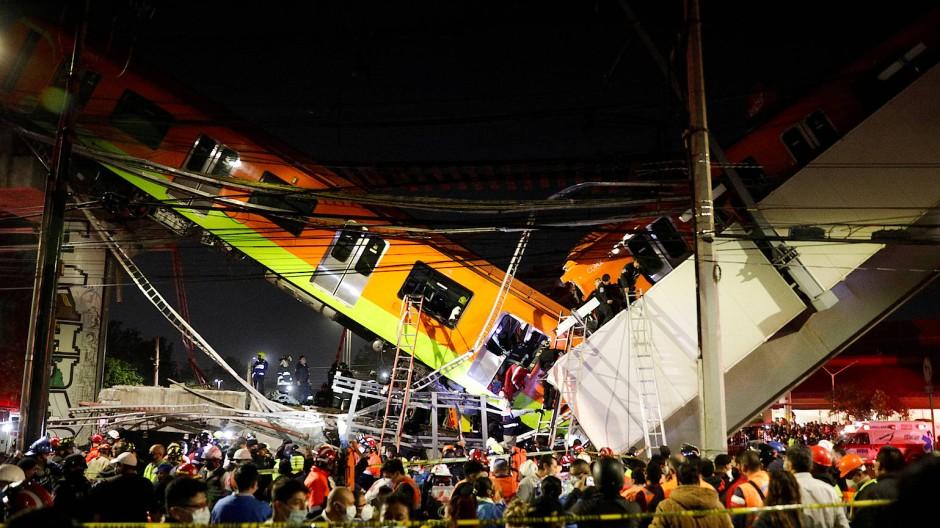 In Mexiko-Stadt ist eine Metro-Brücke zusammengebrochen.