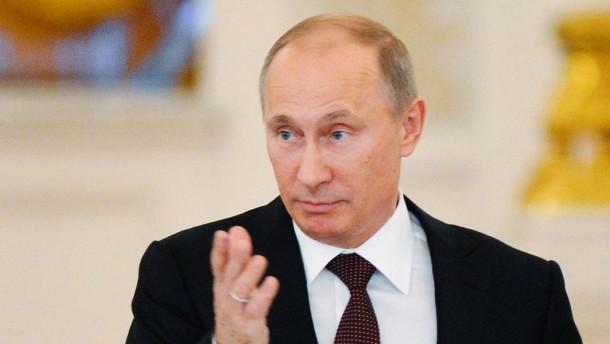 Putin unterzeichnet Gesetz über Adoptionsverbot
