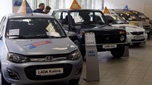 Wie Moskau seine Autobauer päppeln will