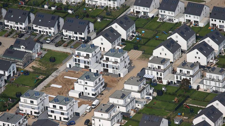 Häuser in einem Neubaugebiet