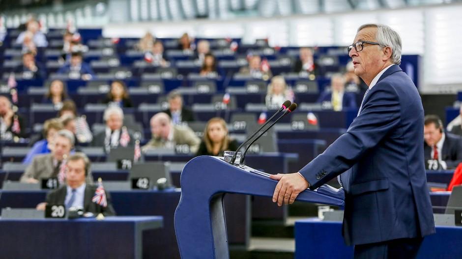 Jean-Claude Juncker stellt seine neuen Ideen für die EU vor: Vor allem fordert er mehr Geld.