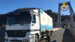 Letzter Lastwagen rollt von Unglücks-Brücke