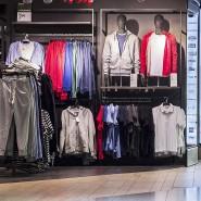 Mehr als 60 Textilartikel kauft jeder Deutsche im Jahr - und wirft davon fast 40 im Laufe eines Jahres wieder weg.