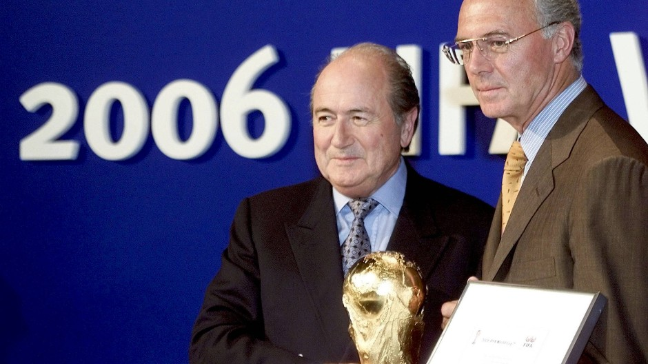 Beckenbauer und Blatter im Jahr 2000