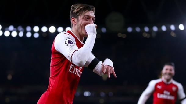 Gala von Özil und Arsenal