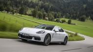 Mehr als ein aufgeblasener 911. Der Porsche Panamera wird erwachsen.