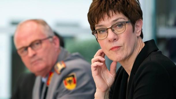 Bundeswehr will zivile Krisen-Helfer unterstützen