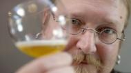 Finnen brauen 170 Jahre altes Bier aus Schiffswrack nach