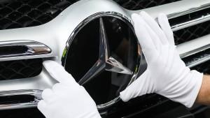 BMW legt eine Milliarde Euro zurück