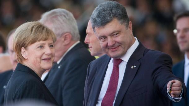 Merkel reist nach Kiew
