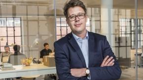 """Vom """"Business Punk"""" zum """"Wired""""-Chef: Nikolaus Röttger in den neuen Redaktionsräumen in Berlin"""