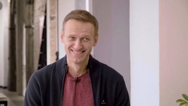 Warum ein Agent Nawalnyjs blaue Unterhose reinigte