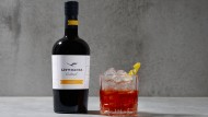 """Comeback in sechs Varianten: Der """"Lufthansa Cocktail"""" wird neuerdings von zwei Berliner Barkeepern wieder vertrieben."""