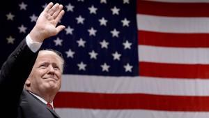 Verstößt Trump gegen die Verfassung?