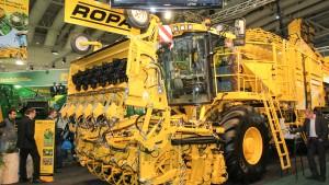 Traktoren rollen wie am Schnürchen