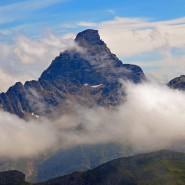 Der Hochvogel bröckelt. Den Allgäuer Alpen droht ein gewaltiger Felssturz.