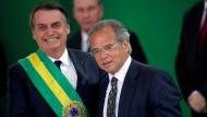 Chefökonom: Wirtschaftsminister Paulo Guedes mit dem Präsidenten Jair Bolsonaro
